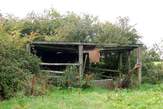 Derelict farm building east of Potash Farm