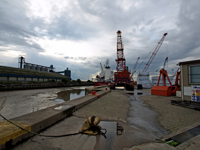 Quayside at New Holland Dock