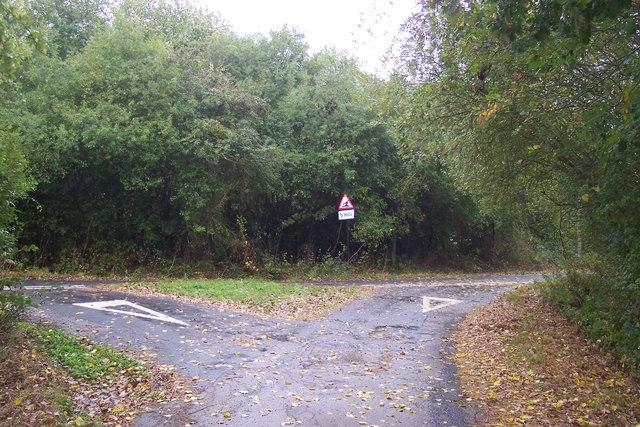 Hareplain Lane meets Digdog Lane