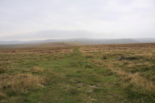 Towards Little Hound Tor