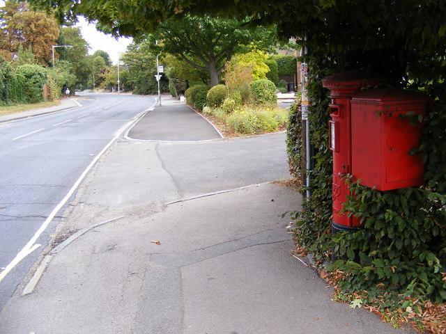 B1009 Tabor Hill & Tabor Hill Postbox