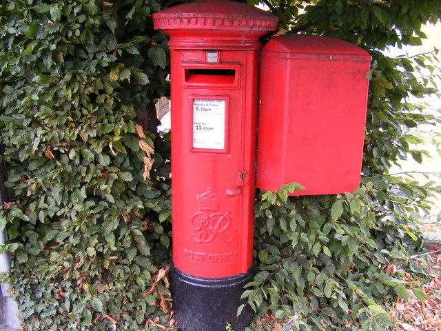 Tabors Hill George VI Postbox