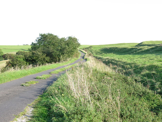 Minor road over Eggardon Hill