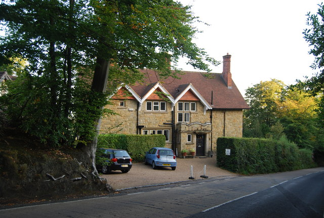 Toy's Hill House, Chart Lane