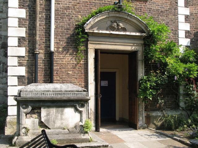 St. Nicholas' Church, Deptford Green, SE8 - porch