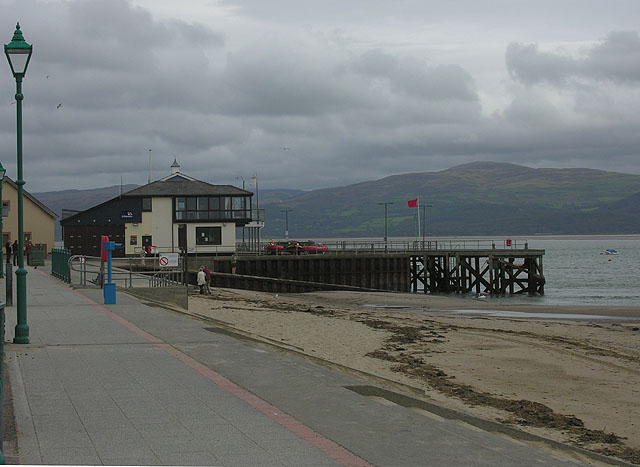 Aberdyfi pier from the west