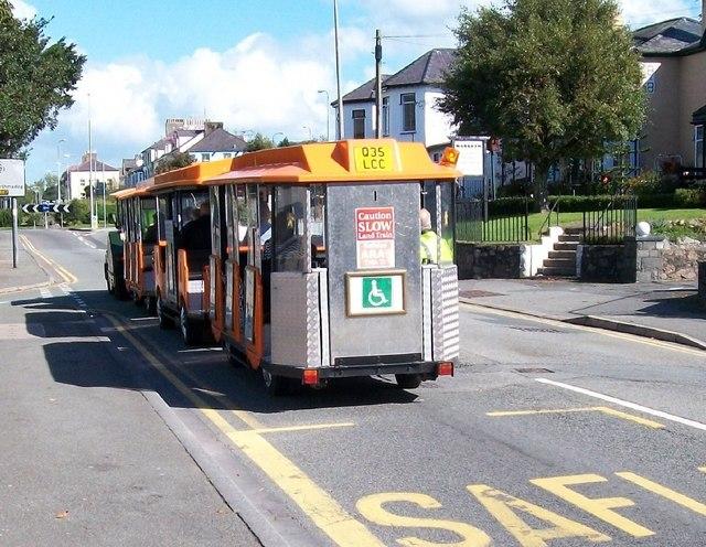 Tren Tir/ Land Train in Stryd Bangor Street