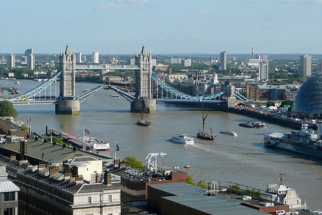 Raising Tower Bridge (3)