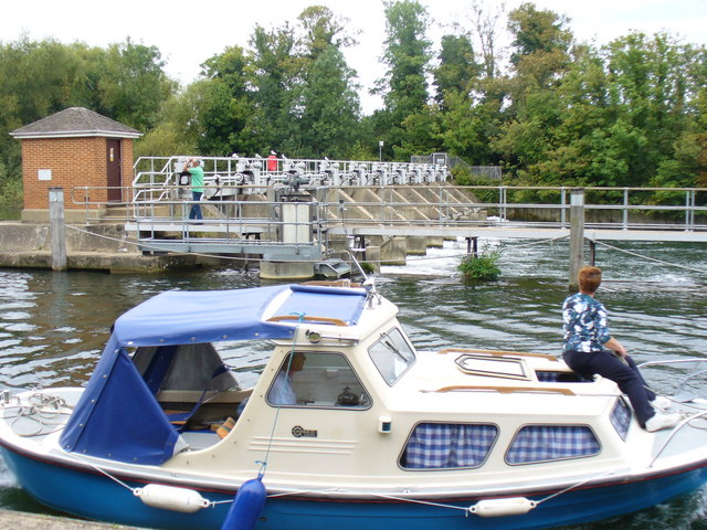 Weir by Bell Weir Lock