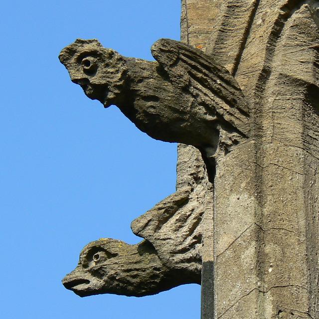 Stone figures on the chapel, Radnor Street cemetery, Swindon
