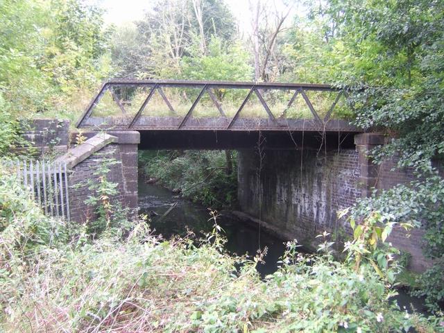 Disused railway bridge over the River Trent