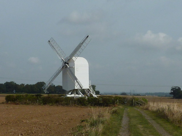 Footpath to Chillenden windmill