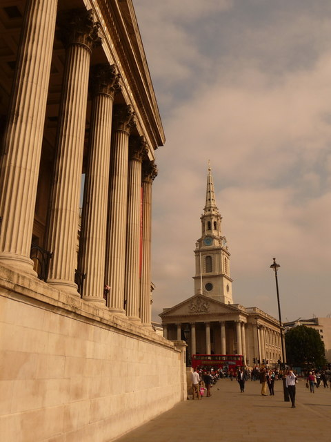 London: St. Martin-in-the-Fields and National Gallery façade