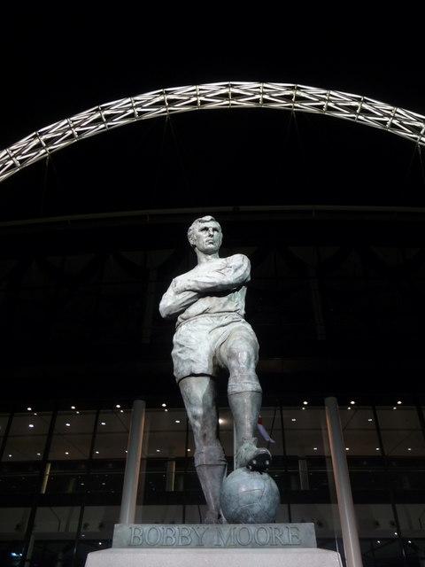 Wembley: Sir Bobby Moore floodlit