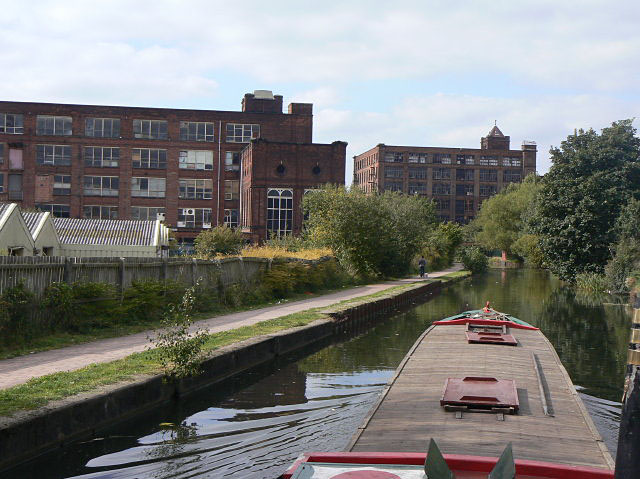 The way into Leigh by canal