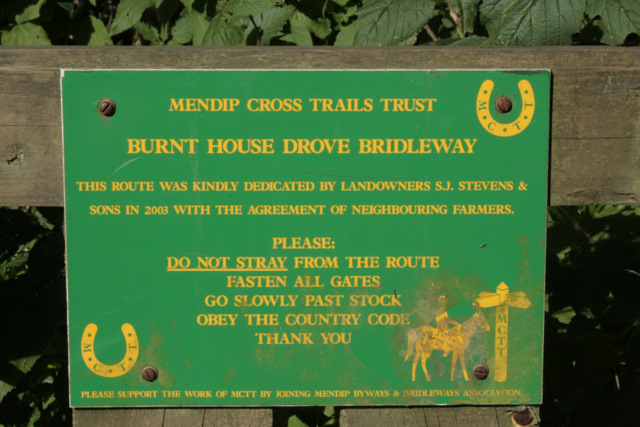 2009 : Sign erected by the Mendip Cross Trails Trust