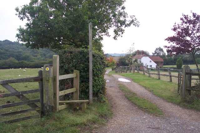 Access road to White Chimney Cottage