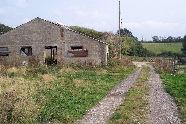 Unused shed in Brick Kiln Farm