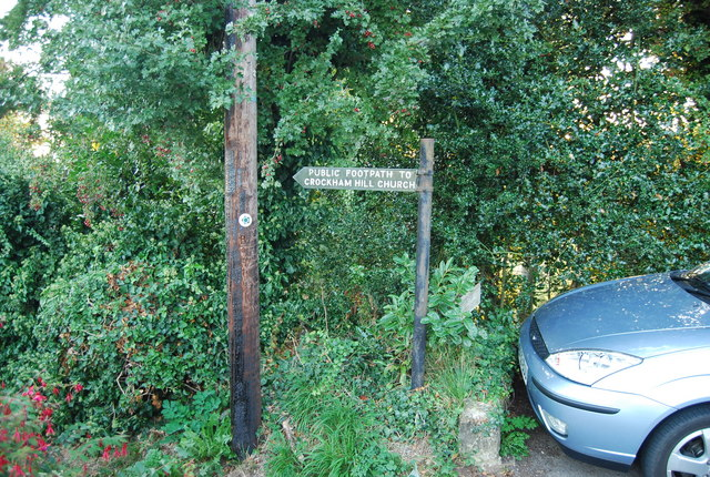 Footpath signposted off Froghole Lane