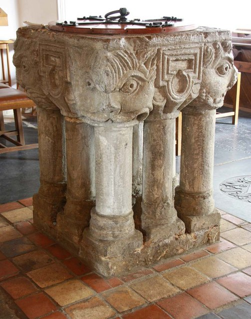 St Mary, South Wootton, Norfolk - Font
