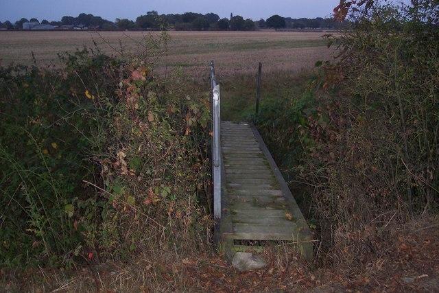 Footbridge near Pristling Lane