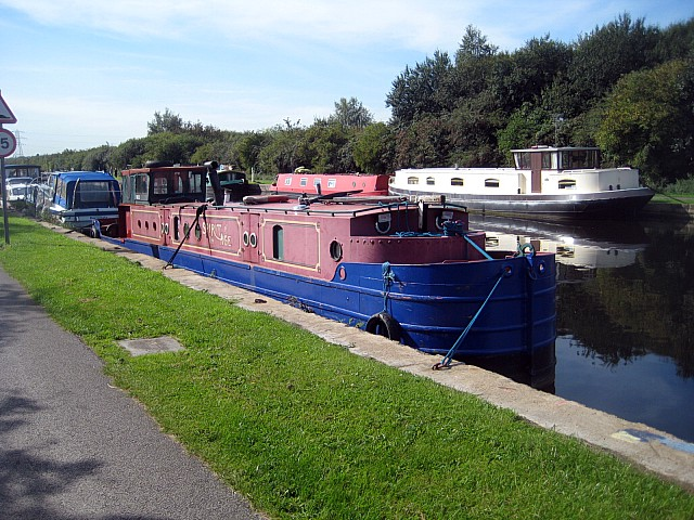 Narrowboat 'Spirit of the Age'