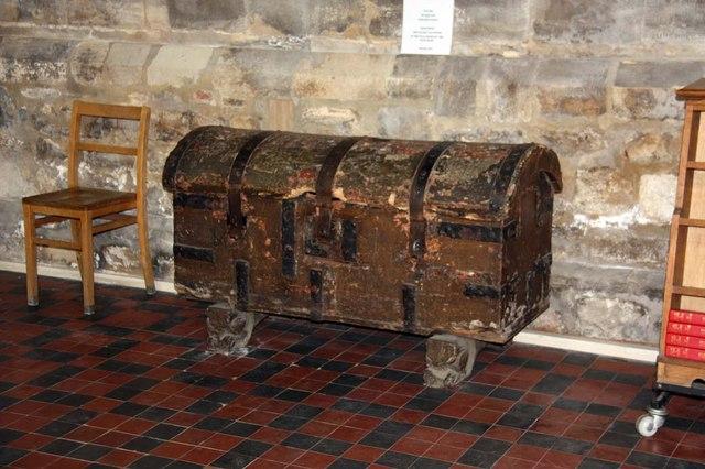 St Margaret, King's Lynn, Norfolk - Chest
