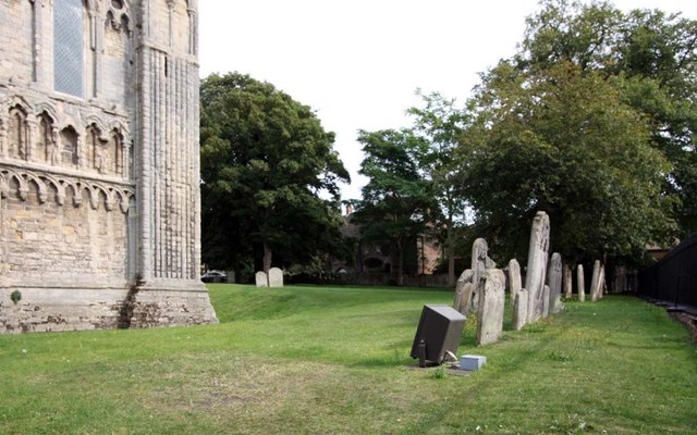 St Margaret, King's Lynn, Norfolk - Churchyard