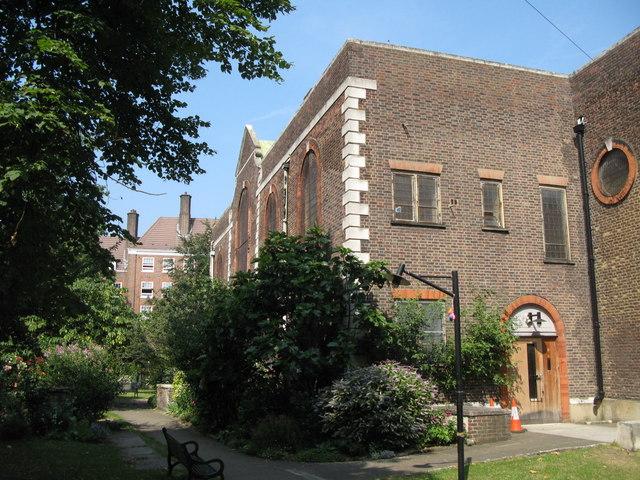 St. Nicholas' Church, Deptford Green, SE8 - SE corner