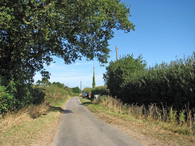 Approaching Sallow Lane Farm