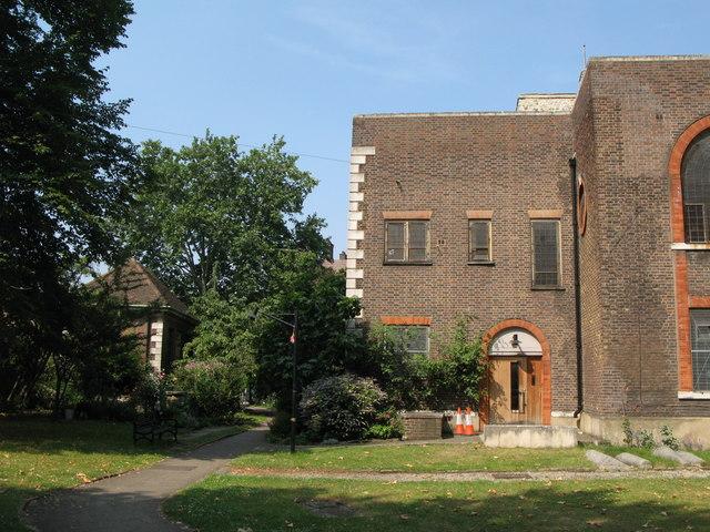 St. Nicholas' Church, Deptford Green, SE8 - SE corner and chancel house