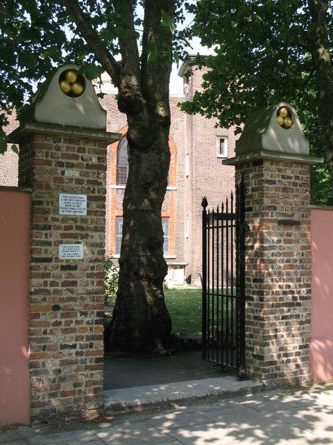 St. Nicholas' Church, Deptford Green, SE8 - east gateway