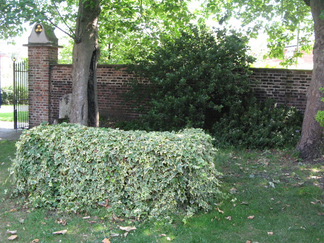 St. Nicholas' Church, Deptford Green, SE8 - ivy covered tomb