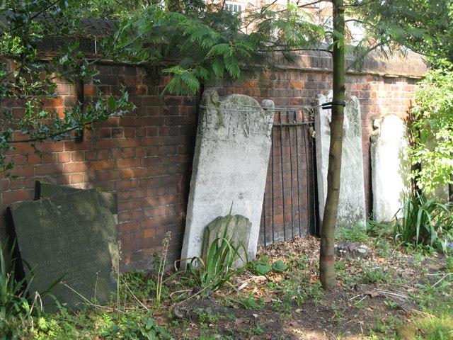 St. Nicholas' Church, Deptford Green, SE8 - churchyard (3)