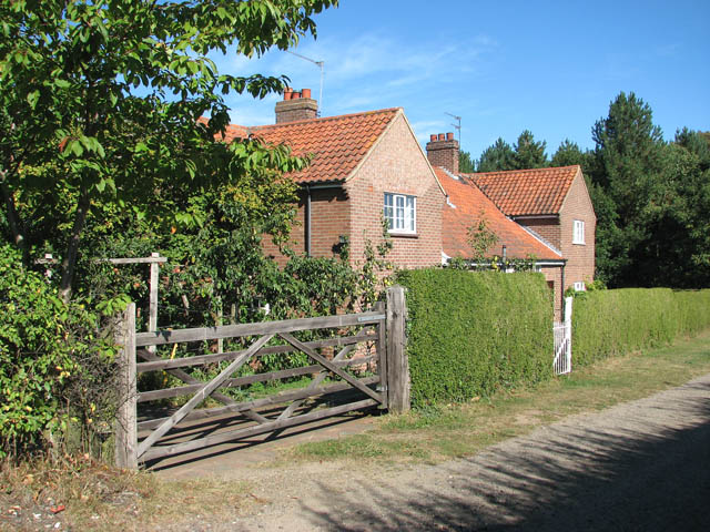 Cottages by the Wherryman's Way