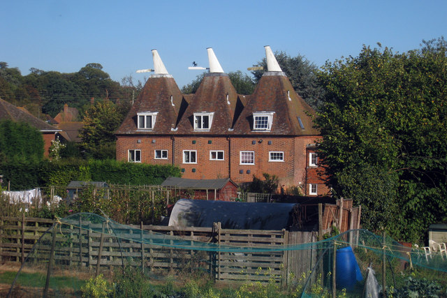 Triple Oast, Plough Lane, Upper Harbledown, Kent