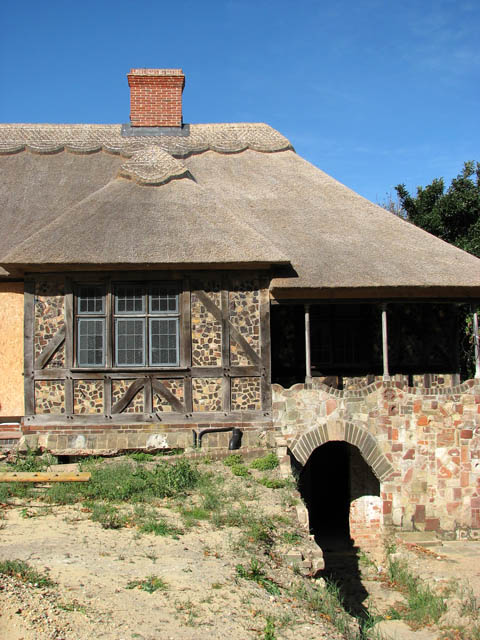 Rivercourt - Arts and Crafts Cottage