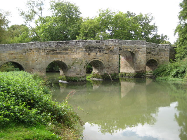 River Arun: Stopham Bridge