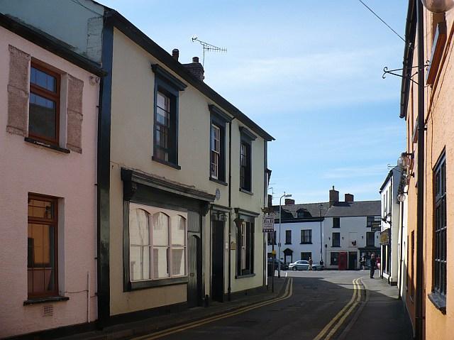 Pendragon House, Cross Street, Caerleon