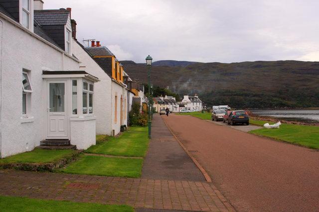 Waterside cottages - Shieldaig.