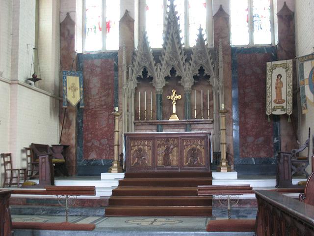 St Mary Magdalene, Wandsworth Common: altar