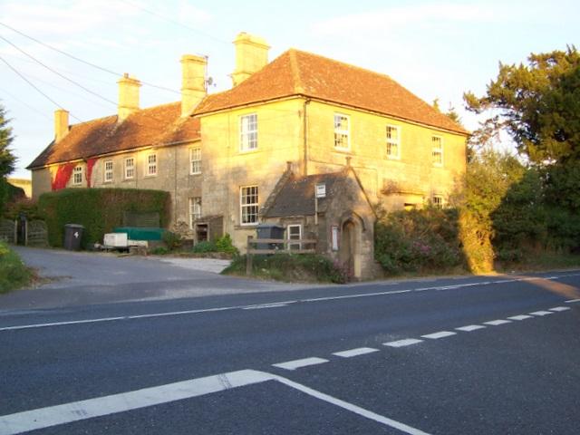Bus shelter, Upton Lovell