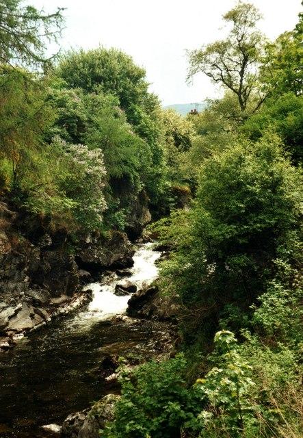 Braemar, bridge over Clunie Water