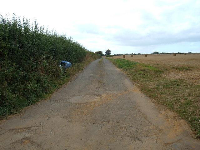 Track to  Rowhowe House