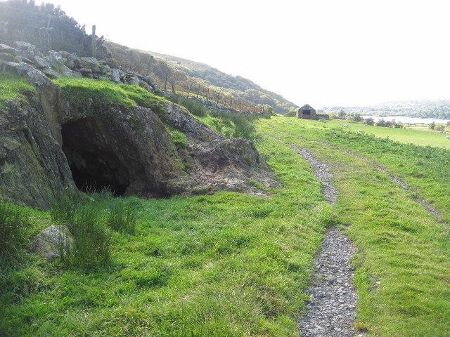 Copper mine adit near to Tal-y-mignedd farm