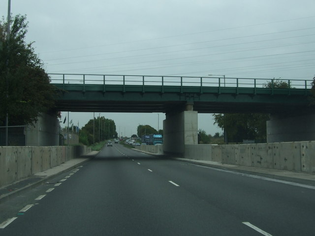 Railway bridge over A550 at Queensferry