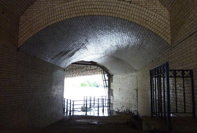 Dead Man's Hole, under Tower Bridge
