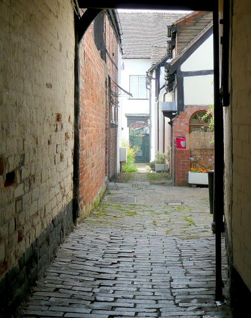 Ledbury alleyway