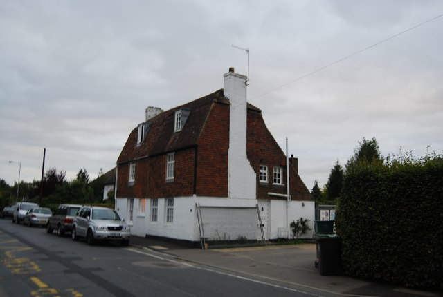 Cottage on Leigh Rd