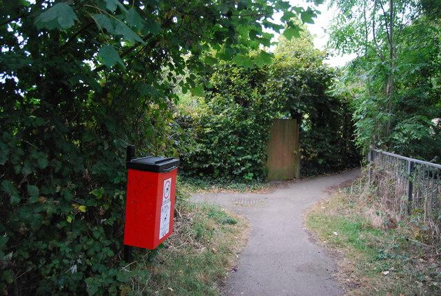 Dog poo bin, footpath off Leigh Rd